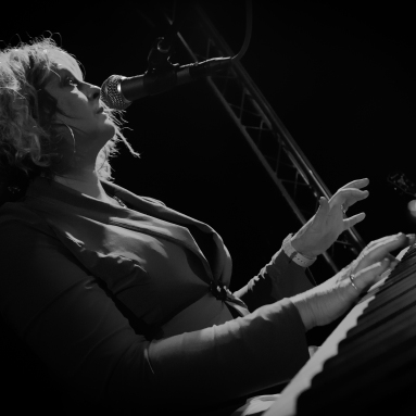 Wendy Kirkland, Jazz pianist and singer